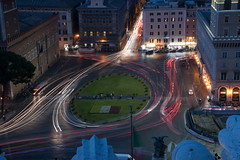 Piazza Venezia - Roma (valecomte20) Tags: nikon d5500 rome roma italy cityscape piazzavenezia route place longueexposition
