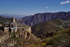 Tatev - monastère 10 (luco*) Tags: tatev monastère monastery monastir arménie armenia montagnes mountains flickraward flickraward5 flickrawardgallery