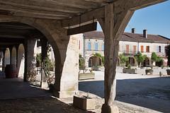 Labastide d'armagnac_6057 (lucbarre) Tags: labastidedarmagnac bastide place landes gers pierres extérieur outside