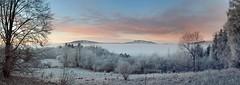 drp0036P (m-klueber.de) Tags: drp0036p 20071223 drp0036 hohe hochrhön winter bauersberg kreuzberg arnsberg inversion nebel nebeldecke morgen rauhreif raureif panorama pano panoramabild rhön deutschland 2007 mkbildkatalog