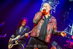 Helloween @ Le Zénith - Paris | 15/11/2017 (Philippe Bareille) Tags: helloween heavymetal powermetal speedmetal german lezenith paris pumpkinsunited pumpkinsunitedtour france 2017 music live livemusic show concert gig stage band rock rockband metal canon eos 6d canoneos6d musicwavesfr michaelkiske singer vocalist frontman markusgrosskopf bassist bassplayer musician