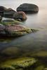 Stilles Wasser (photobeyDE) Tags: langzeitbelichtung longtimeexposure outdoor natur nature showusnature landschaft landscape jwshutterbugs jwphotography sonyimages sonyalphasclub sony alpha alphaddicted a77mk2 a77ii ndfilter schweden sweden sverige blekinge ytteroen haestholmen insel island fjord steine stones wasser