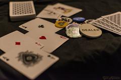 Mano ganadora (profesorxproyect) Tags: nikon d7100 cartas poker baraja deck dealer magic magia 35mm cards estudio studio game juego fichas joker detalles bokeh chips