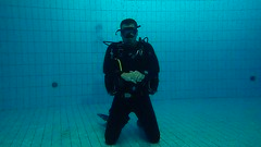 PB246694 (Scubaland Búváriskola) Tags: scubalandbuvarsuli scubaland padi owd skills practice divingisfun