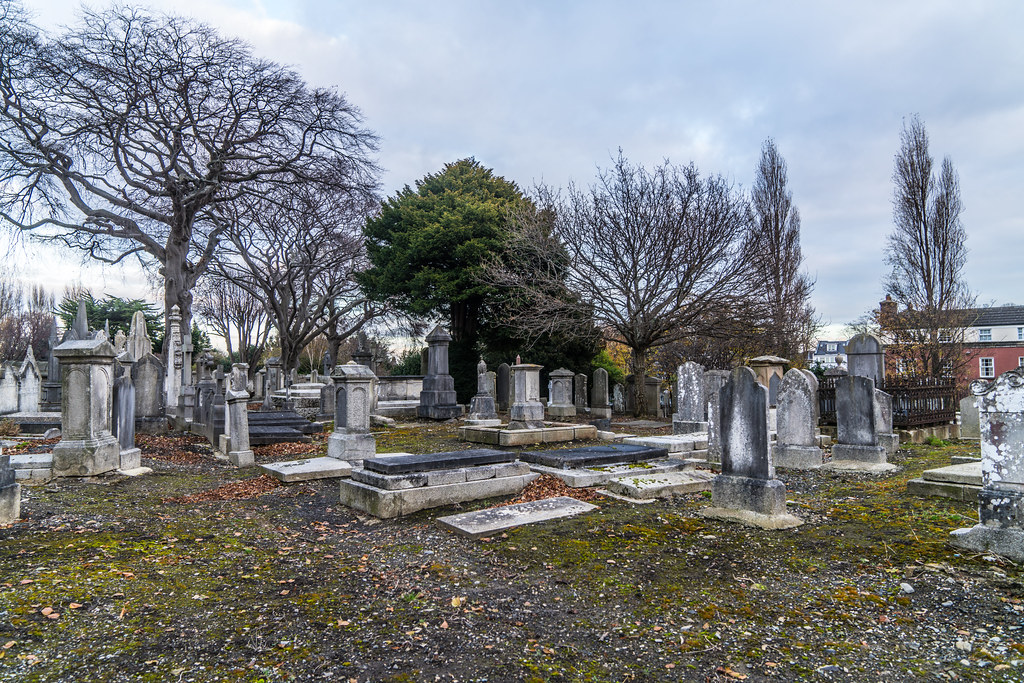 MOUNT JEROME CEMETERY IS AN INTERESTING PLACE TO VISIT [IT CLOSES AT 4PM]-134298