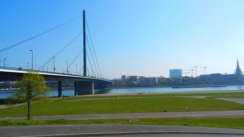 Düsseldorf, Oberkasseler Brücke [29.03.2014]