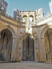 Archway or portico at the unfinished chapels Mosteiro de Batalha. (abriwin) Tags: portugal batalha mosteiro chapel mausoleum doorway portal arch stone unfinished