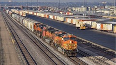 Rolling past North Yards in Denver moving south about to roll under Interstate 70 (Coloradorailphotographer) Tags: intermodal railroadyard railyard denvercolorado bnsfrailway bnsf railway railroad trains train coloradotrains colorado