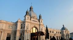 Lviv Ukraine (meshokvdom.com.ua) Tags: lviv ukraine travel europe visafree coffee tram city vogue photo fujifilm fujifilmxt2 building architecture sky xt2 fujixt2 people tower вокзал