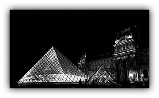 Série Pyramide du Louvre : N° 6