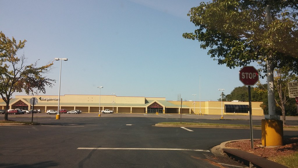 And Its Gone Retail Retell Tags Former Super Kmart Center