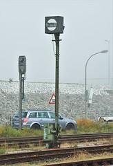 Emden Außenhafen 26.10.2016 (The STB) Tags: eisenbahnsignal eisenbahnsignale railwaysignal db deutschebahn germanrailways bahn railway eisenbahn