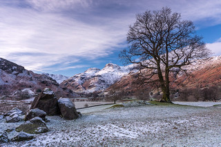 Langdale Boulders to the Langdale Pikes. Lake District, Cumbria