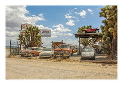 old cars & jerky (philippe*) Tags: arizona classiccars desert decay roadtrip