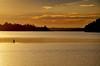 """""""Vem, Verão!"""" (Ruby Ferreira ®) Tags: standuppaddle dam represa sunset pôrdosol sky clouds céu nuvens floresta forest"""