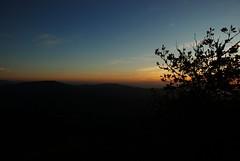 Coucher de soleil au Rez-de-Sol (Lancelot Pierre) Tags: sundonw orange sky puydedome puysdedome pontcanalbriare fontainebleau france