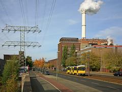 BVG 7094 by JJE_1 - BVG 7094 war einer der letzten im Einsatz stehenden KT4Dt. Der Wagen konnte vor der Kulisse des Heizkraftwerks Klingenberg in Berlin-Rummelsburg aufgenommen werden.