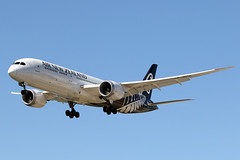 Air New Zealand | ZK-NZG | Boeing 787 | YPAD (adelaidefire) Tags: air new zealand zknzg boeing 787 ypad adelaide airport