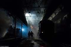 Late Night On Shed (Articdriver) Tags: didcotrailwaycentre didcot greatwestern 4144 railway locomotive trains steam smoke dark night winter depot