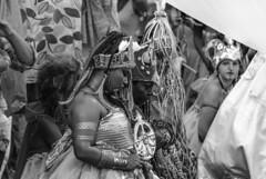 Foto- Arô Ribeiro -0293 (Arô Ribeiro) Tags: bw pb blackwhitephotos photography laphotographie blackandwhite portrait candidportrait ilúoládemin art fineart brazil sãopaulo carnaval arôribeiro nikon nikond7000