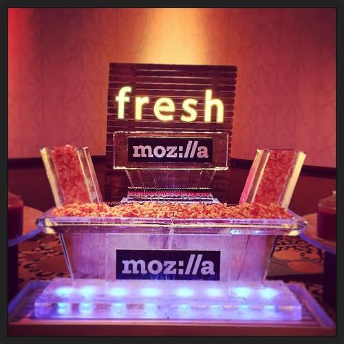 @hiltonaustintx really knows how to take care of their guests! @mozillagram will be enjoying this seafood #icebar tonight! #fullspectrumice #custom #branding #thinkoutsidetheblocks #brrriliant - Full Spectrum Ice Sculpture