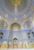 la sala d'oració de la mesquita del shah (_perSona_) Tags: iran isfahan esfahan mosque mesquita mezquita unesco world heritage patrimoni patrimonio humanidad humanitat persia imam iman square plaça plaza naghshi jahan naqshe real meidan eman jomeini tile azulejo rajola dome cupula shah prayer oracio oracion plegaria pregaria hall salo salon sala quibla alquibla minbar royal safavid safavida abbas