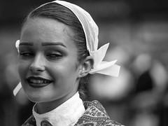 Che bella che sei ... (Clarissa Canepari) Tags: ritratto portrait bw bnw monocrome bretagna francia bretagne brittany concarneau donna