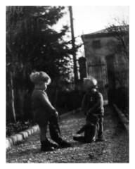 i gemelli Addo e Francesco - Vicenza febbraio 1937 (dindolina) Tags: photo fotografia blackandwhite bw biancoenero monochrome monocromo italy italia veneto vicenza famiglia family vignato gemelli twins 1930s annitrenta thirties 1937