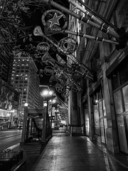 Decorations (ancientlives) Tags: chicago illinois il usa travel trips city macys statestreet christmas decorations trumpets night lights mono monochrome blackandwhite bw walking streetphotography november 2017 sunday autumn cityscape downtown loop