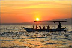 départ matinal à la recherche des dauphins  Lovina©Bali (philippedaniele) Tags: sunrise leverdusoleil bali lovina