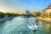 La Seine (manakel) Tags: laseine manakel paris fleuve river notredame lilesaintlouis l'îledelacité pontdelatournelle quaidelatournelle quaidorléans vedette police bateau boat