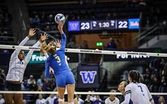 UW UCLA-FT4I1722 (Pacific Northwest Volleyball Photography) Tags: volleyball ncaa pac12 pac12vb uwhuskies washington ucla