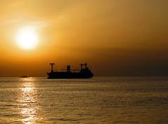 Izmir Sunset (anubishubi) Tags: izmir sonnenuntergang sunset türkei ägäis meer schiff ship canonpowershotg12