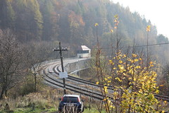 Station viaduct , Ludwikowice Kłodzkie train station 04.11.2017 (szogun000) Tags: ludwikowicekłodzkie poland polska railroad railway rail pkp station tracks structure viaduct bridge steel building architecture interlockingtower d29286 dolnośląskie dolnyśląsk lowersilesia canon canoneos550d canonefs18135mmf3556is