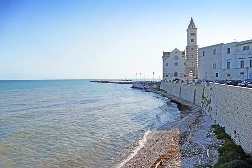 Italie, la Cathédrale de Trani au bord de l'Adriatique