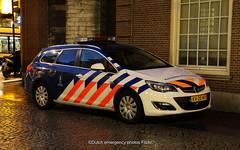 Dutch military police Opel Astra (Dutch emergency photos) Tags: politie police polizei military koninklijke marechaussee kmar opel astra amsterdam dutch nederland nederlands netherlands nederlandse 999 911 112 emergency vehicle car kv2540