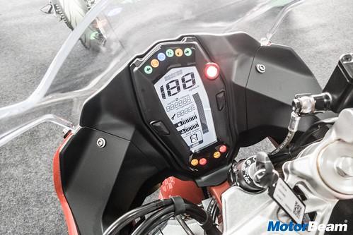 TVS-Apache-RR-310-01