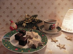 Kaffeepause in der Adventzeit (Hannelore_B) Tags: kaffeepause adventzeit adventseason flickrfriday coffeebreak kuchen cake plätzchen cookies