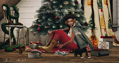 Gifts of time and love are surely the basic ingredients of a truly merry Christmas... (Neda Andel ~SLooK4U Blog) Tags: christmas tree christmastree mbirdie doux ornaments gifts sl slook4u secondlife mesh new release blog