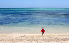mauritius horizon (kexi) Tags: mauritius ilemaurice africa beach sand water blue turquoise horizon child canon 2016 vacation ocean indianocean endless instantfave wallpaper september