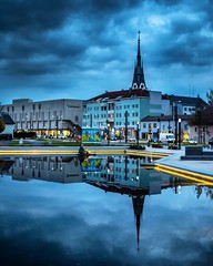 INCEPTION. (jochenlorenz_photografic) Tags: cityscape city plotagraph lightroom 50mm14 pentaxk1 pentax austria uperaustria citylights cloudporn hometown reflection cityview