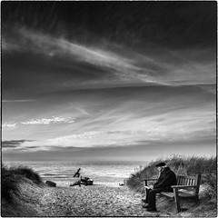 Looking back on a long life (ingrid.lowis) Tags: bw monochrom people meer baltic sea seaside sentimental ostsee ahrenshoop clouds wolken