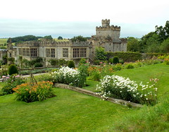 Haddon Hall, Bakewell, Derbyshire 06.08.17 (dkmcr) Tags: daytrip travel landscape tourism scenery view visitbritain visitengland northernuk excursions 2017 haddonhall bakewell peakdistrict