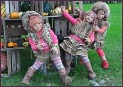 Ich glaube der Turm kommt ins rutschen ... (Kindergartenkinder) Tags: kürbis hofladen kindergartenkinder annette himstedt dolls annemoni sanrike tivi