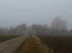 Soir d'hiver . (nicmocq) Tags: hiver abbatiale brouillard