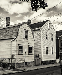 Houses (PAJ880) Tags: vernaculr huses salem ma waterfront district city historic maritime bw mono north shore