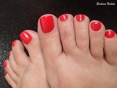 Panvel - Desire (Barbara Nichols (Babi)) Tags: panvel desire vermelho esmaltevermelho red rednailpolish rednails feet