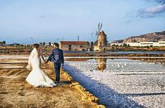 Saline di Trapani- Sposi al Mulino Maria Stella (robertar.) Tags: trapani saline sicilia sposi matrimonio sale bianco riflessi italia mulino