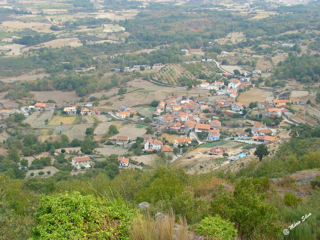 Águas Frias (Chaves) - ... vista geral da Aldeia (2009 ) ..