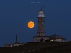 Full moon (Ramón M. Covelo) Tags: full moon santander cantabria faro lighthouse cabo mayor night noche nocturna luna llena